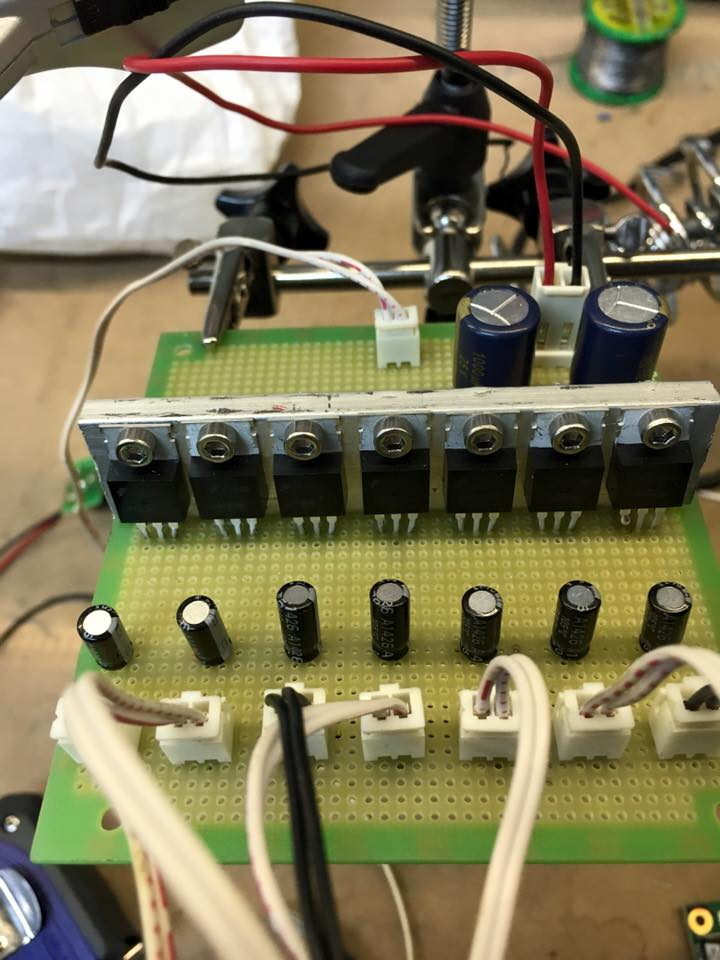 12715483 1014368545320673 7157838147448304635 n - Fuente de alimentación 9VDC