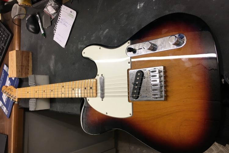 image 750x500 - Ajuste de guitarra fender telecaster y mejora de electronica