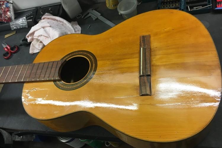 IMG 3557 750x500 - Reparación guitarra Española de mas de 60 años