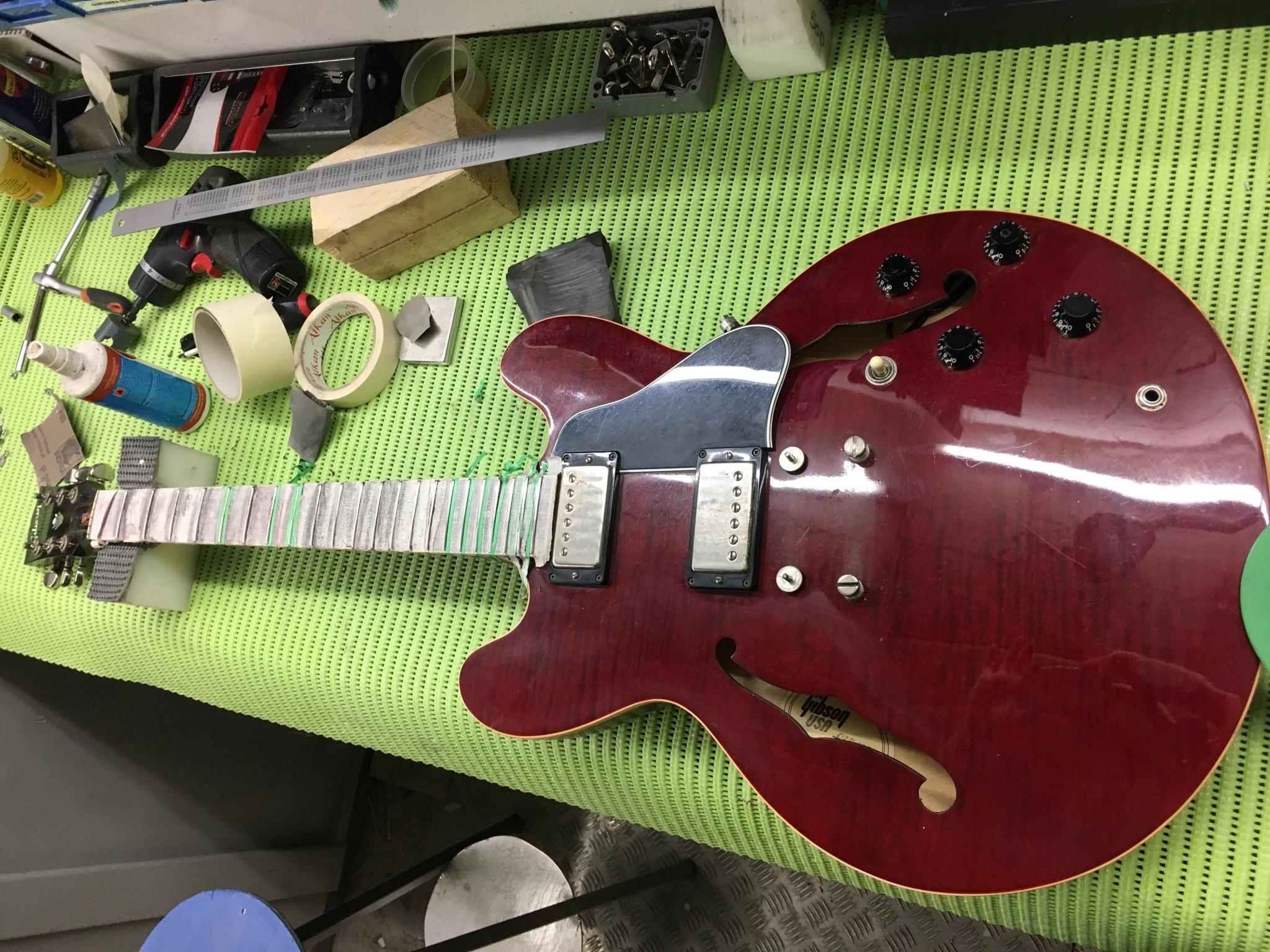 IMG 5437 - Nivelado de trastes y ajuste general Gibson 335 del 69