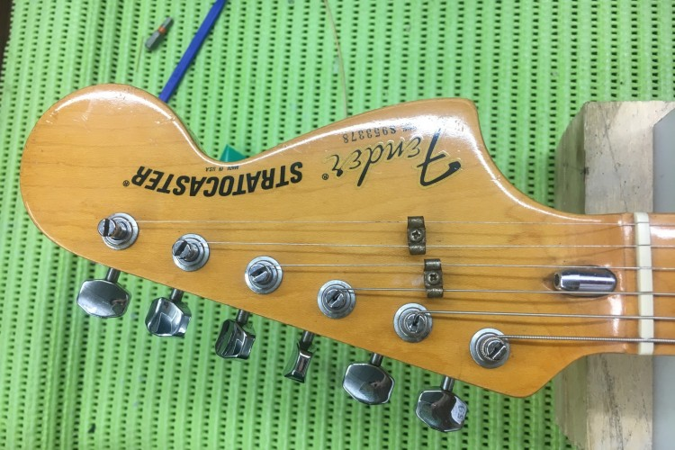 IMG 5518 750x500 - Nivelado y pulido de trastes Fender American Stratocaster del 79