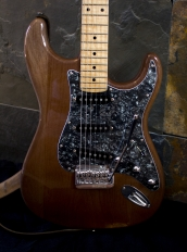 IMG 0872 172x232 - Guitarra LAJ  Strat Custom Shop