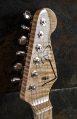IMG 0887 150x232 - Guitarra LAJ  Strat Custom Shop