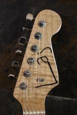 IMG 0888 155x232 - Guitarra LAJ  Strat Custom Shop