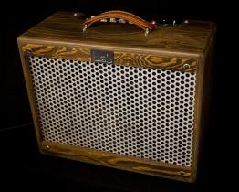 IMG 1917 262x210 - Amplificador Guitarra LAJ T-ONE REVERB