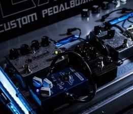 pedalboar2 262x225 - LAJ CUSTOM PEDALBOARD (PARA 6 PEDALES)