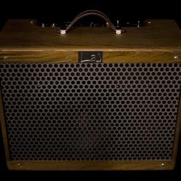 IMG 1533 262x262 - Amplificador LAJ Tweed Deluxe