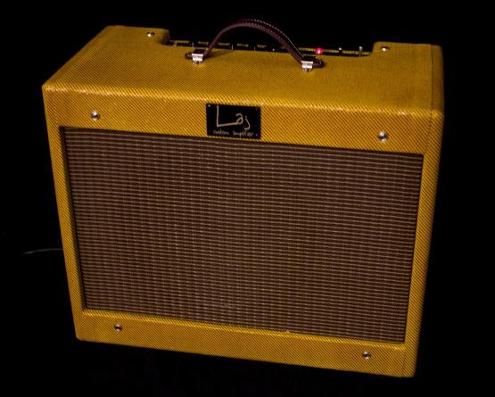 IMG 2166 555x445 - Amplificador LAJ Speed Reverb