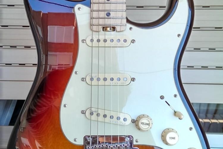 0c5016ae 6633 49f1 9851 01e86bb7f8e2 750x500 - Reparación guitarra american Fender stratocaster elite